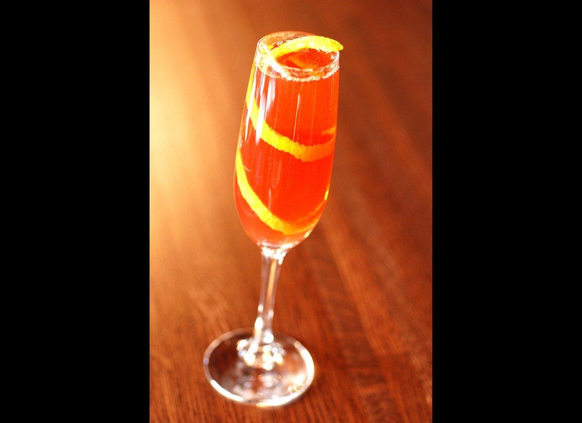 """<strong><a href=""""http://www.imbibemagazine.com/Seelbach-Cocktail-Recipe"""" target=""""_hplink"""">Seelbach Cocktail</a></strong> A s"""