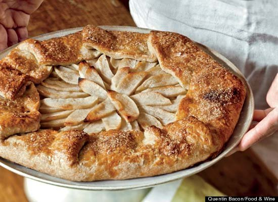 "<strong>Get the <a href=""http://www.huffingtonpost.com/2011/10/27/free-form-apple-tart_n_1059602.html"" target=""_hplink"">Free-"