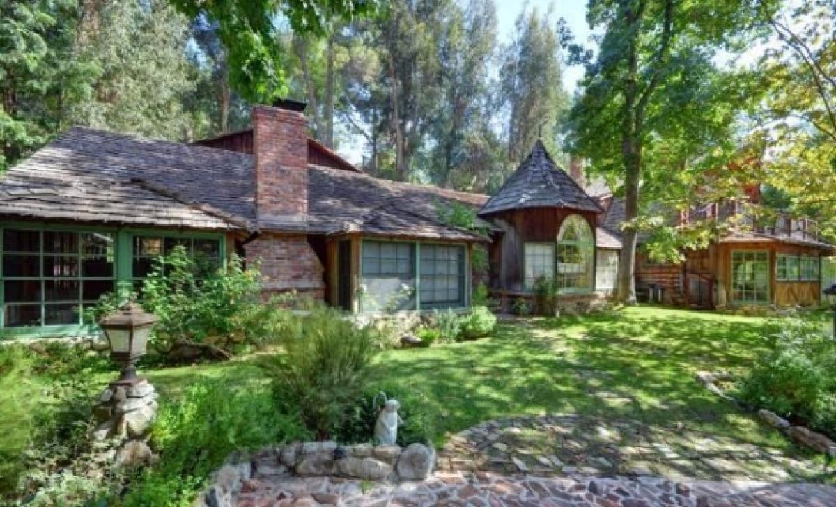Jane Fonda\u0027s Former Home On The Market For $2.295 Million | HuffPost