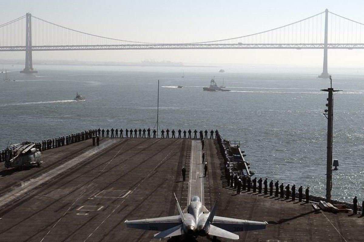 "<em>Photo courtesy of <a href=""http://www.flickr.com/photos/compacflt/"" target=""_hplink"">U.S. Pacific Fleet</a>. </em>"