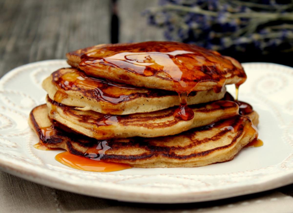 "<strong>Get the <a href=""http://www.cherryteacakes.com/2011/01/apple-cider-buttermilk-pancakes-with.html"" target=""_hplink"">Ap"