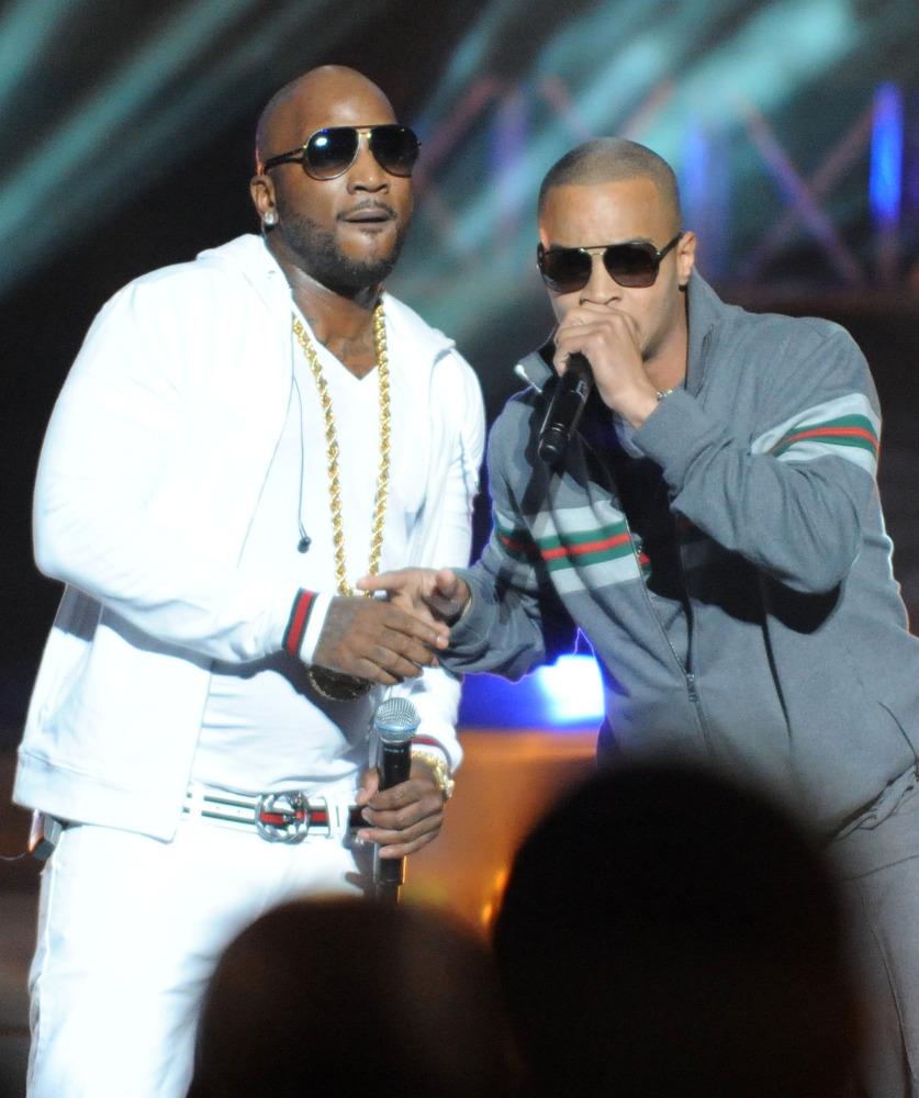 ATLANTA, GA - OCTOBER 01:  Young Jeezy and T.I. perform at the BET Hip Hop Awards 2011 at Boisfeuillet Jones Atlanta Civic Ce