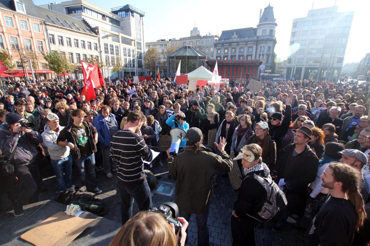 Occupy Antwerp bracht op zaterdag 22 september bijna vierhonderd mensen naar de Groenplaats. Net zoals in de rest van de were