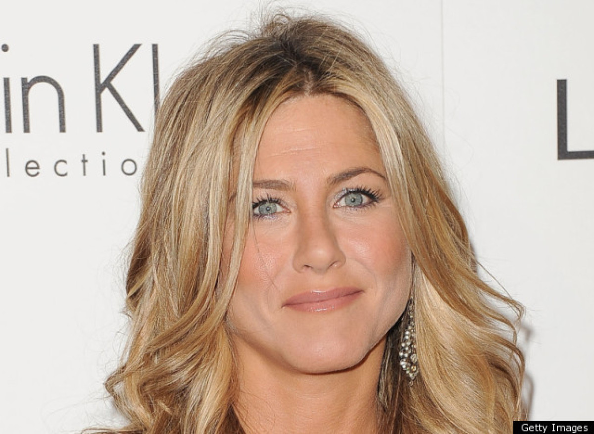 """In 2009 a <a href=""""http://lezgetreal.com/2009/04/is-jennifer-aniston-a-lesbian/"""" target=""""_hplink"""">story appeared claiming</a>"""