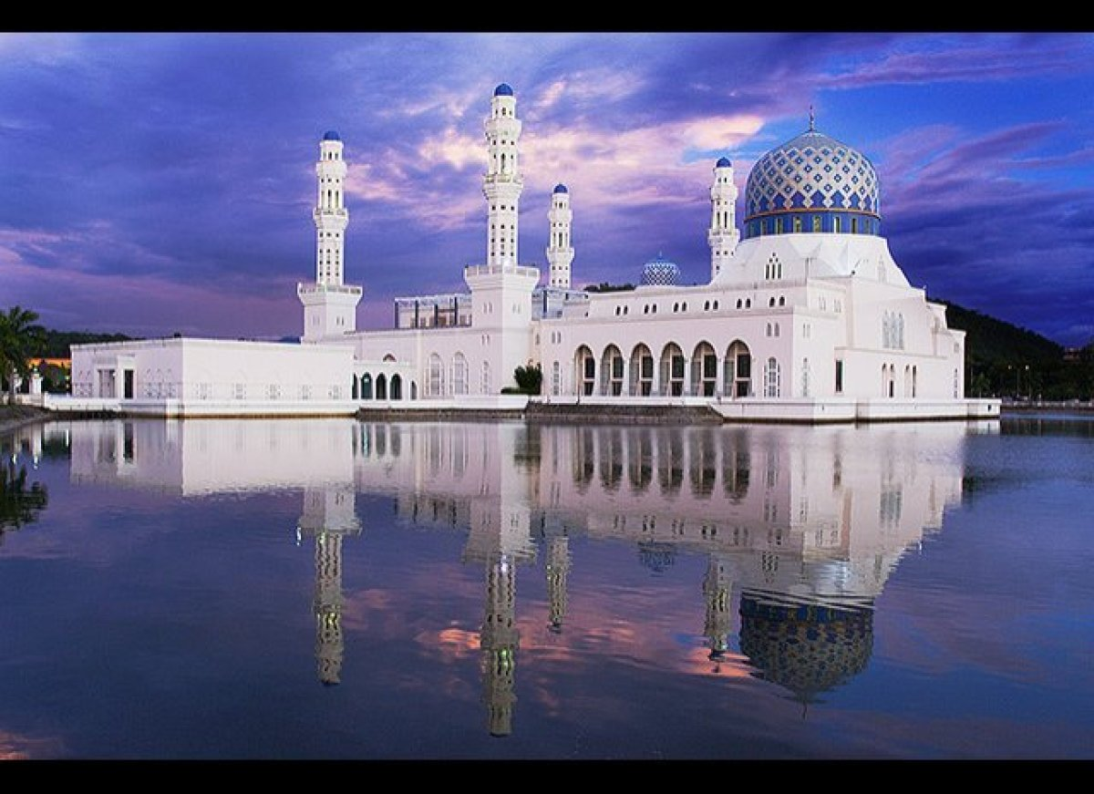"""Malaysia's floating mosque  From a distance, the <a href=""""http://atlasobscura.com/place/kota-kinabalu-city-mosque"""" target="""""""