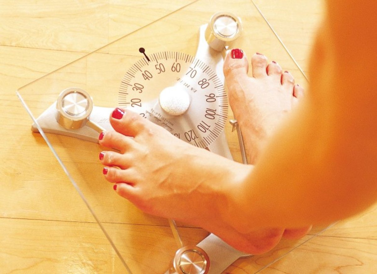 Keep your weight in a healthy range. Excess weight is a primary risk factor for sleep apnea, in both men and women. Keeping y
