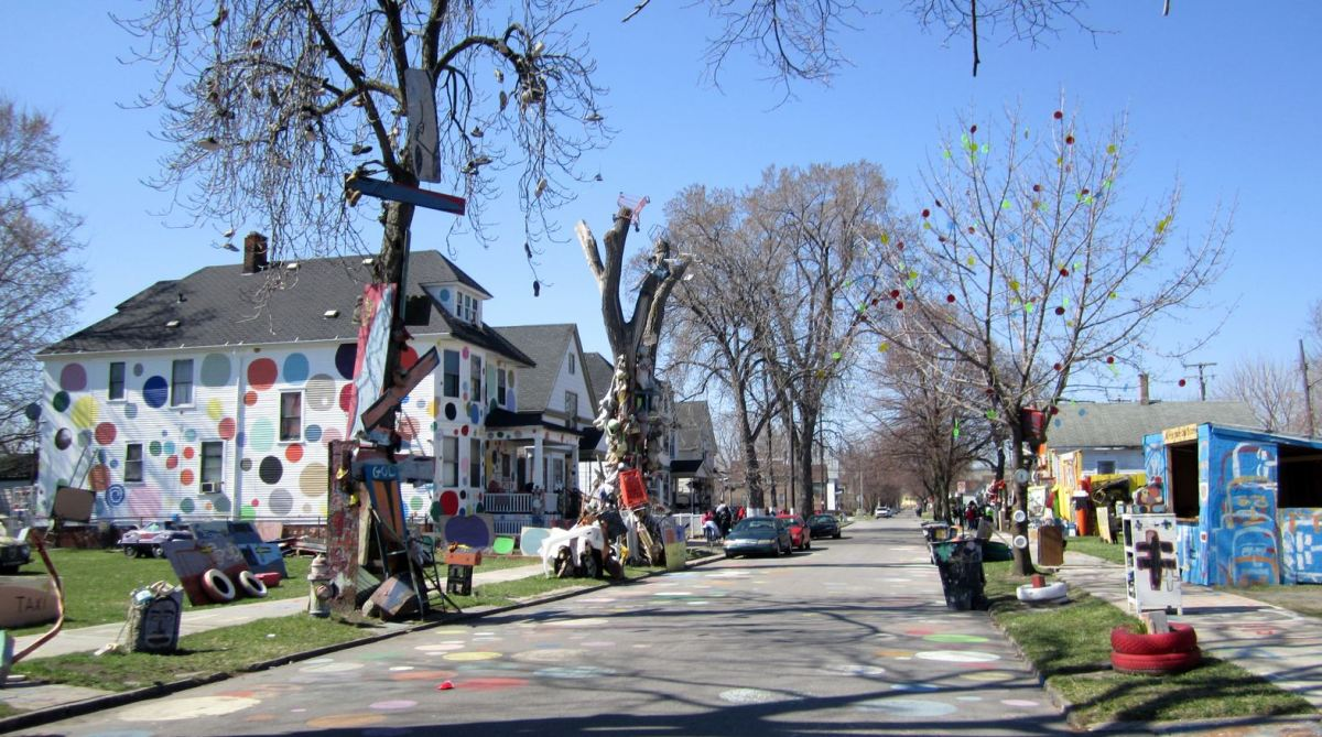 The Heidelberg Project: View from Heidelberg Street, Detroit. Photo: Michelle Figurski