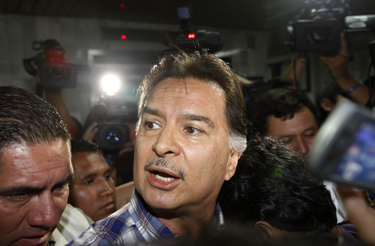 Guatemala's former President Alfonso Portillo arrives to court in Guatemala City, Monday, Sept. 3, 2012. Portillo is required