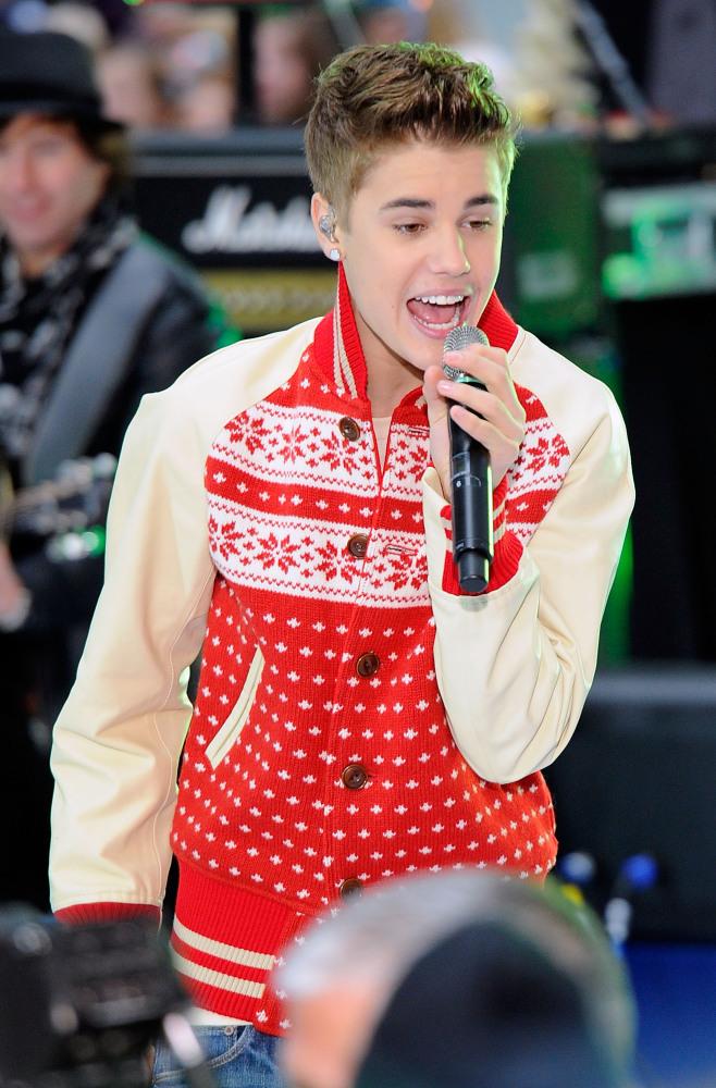 justin bieber christmas sweater - wlrtradio.com