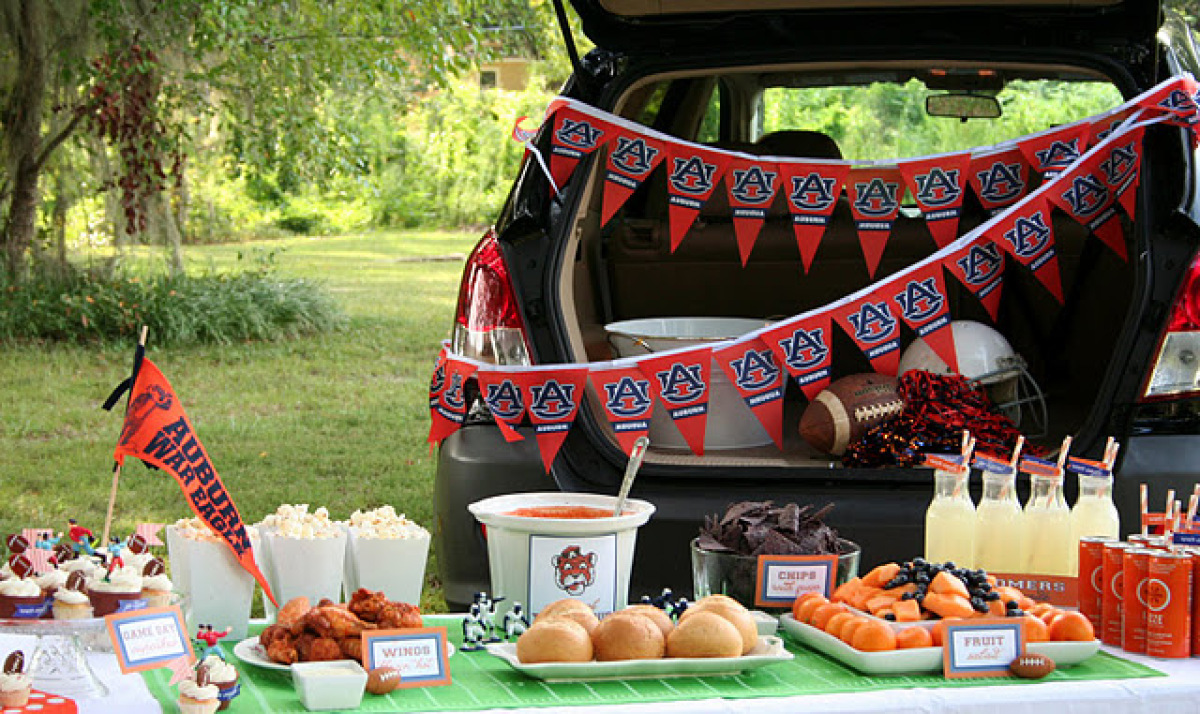 Make paper labels for all of the food using your teams mascot and colors for a & Tailgate Party: Show Us Your Party Pictures (PHOTOS) | HuffPost