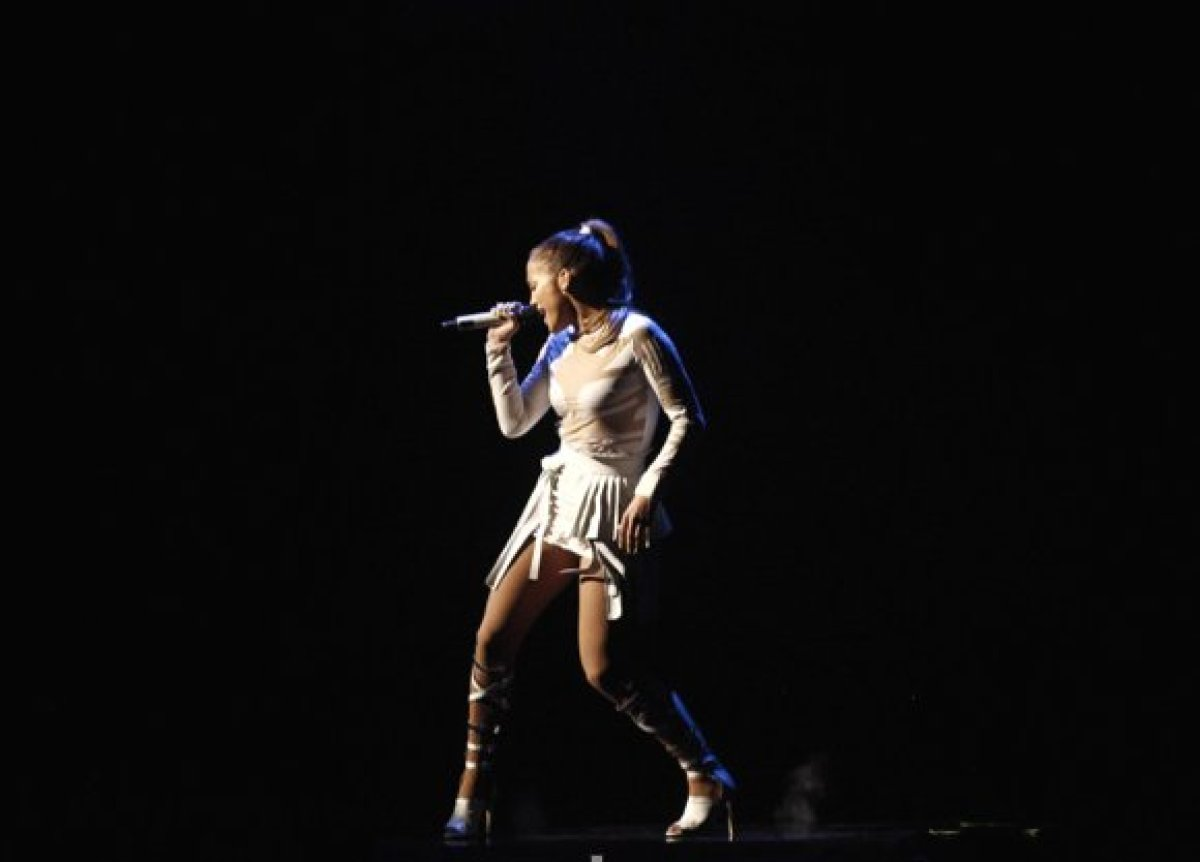 """The singer-turned-actress-turned-<em>American Idol</em> judge got her start as a """"fly girl"""" on Fox's hit show <em>In Living C"""