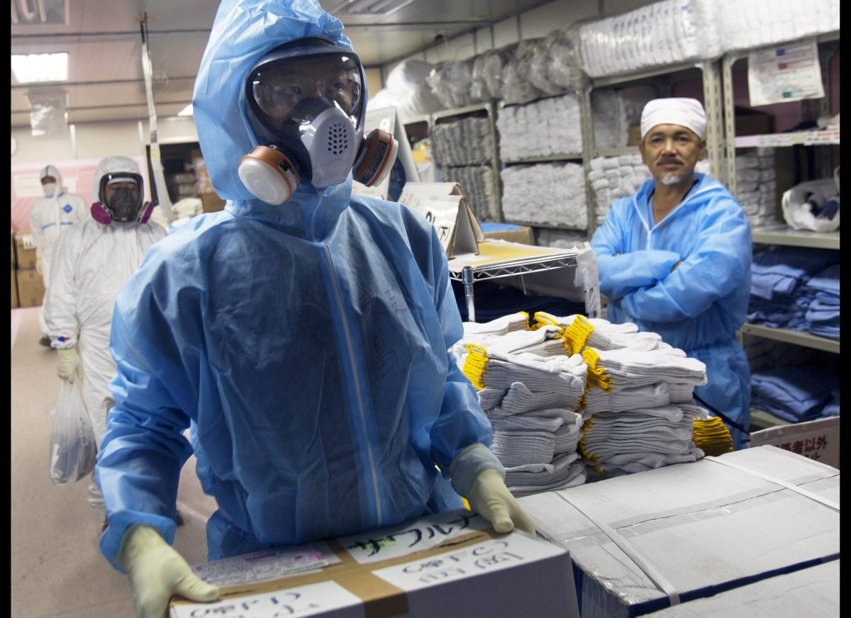 "After an 8.9 earthquake and tsunami rocked Japan, <a href=""http://www.huffingtonpost.com/2011/03/17/fukushima-50-japan-nuclea"
