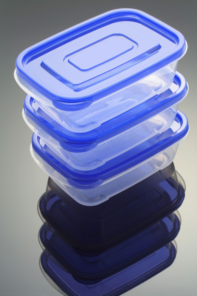 If you are throwing the party, have plenty of plastic containers on hand. As the soiree comes to an end, divvy up the dessert