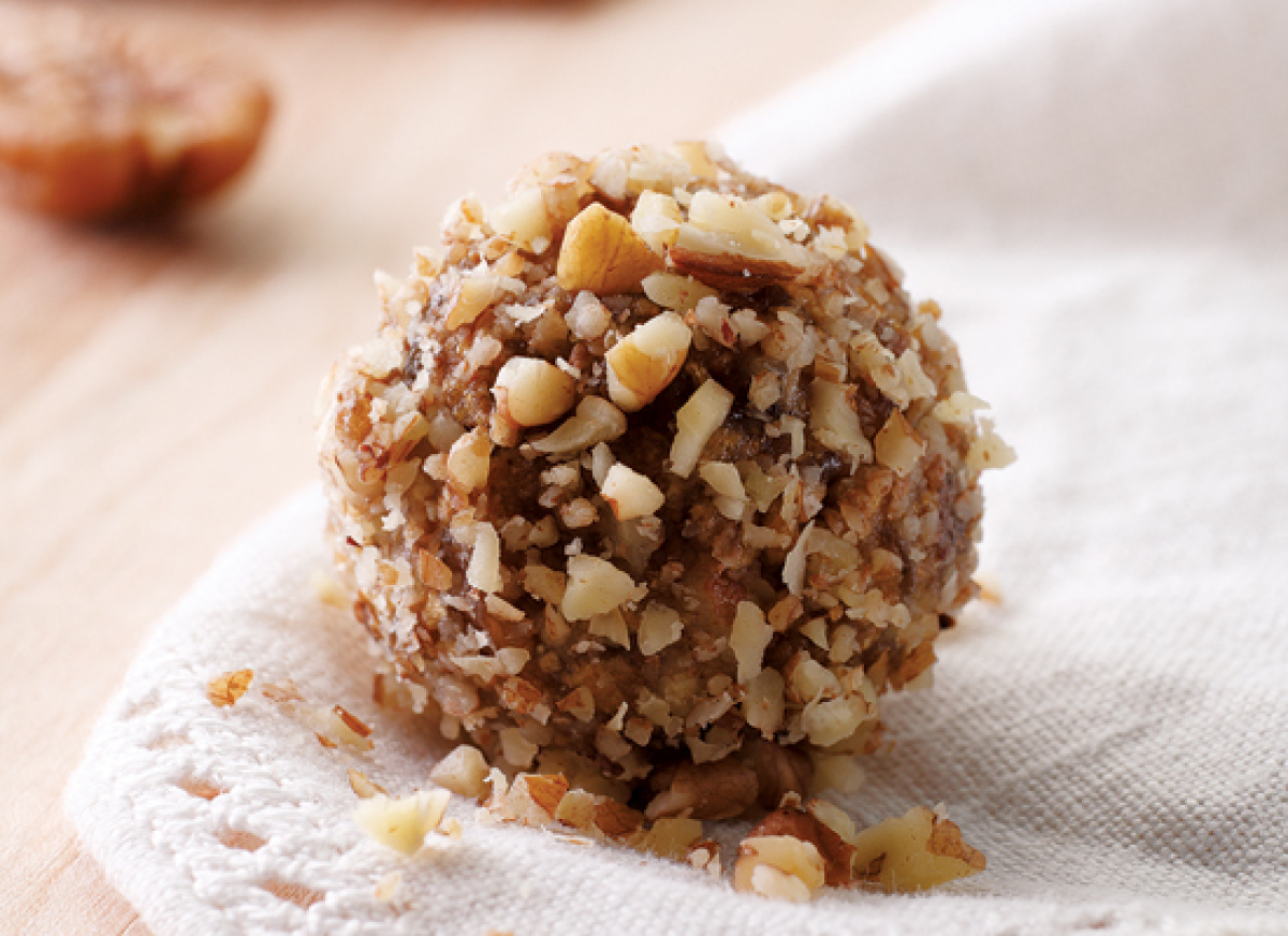 Orange liqueur makes these easy date-nut balls a one-of-a-kind treat. The best part? You don't even have to bake them!   <s