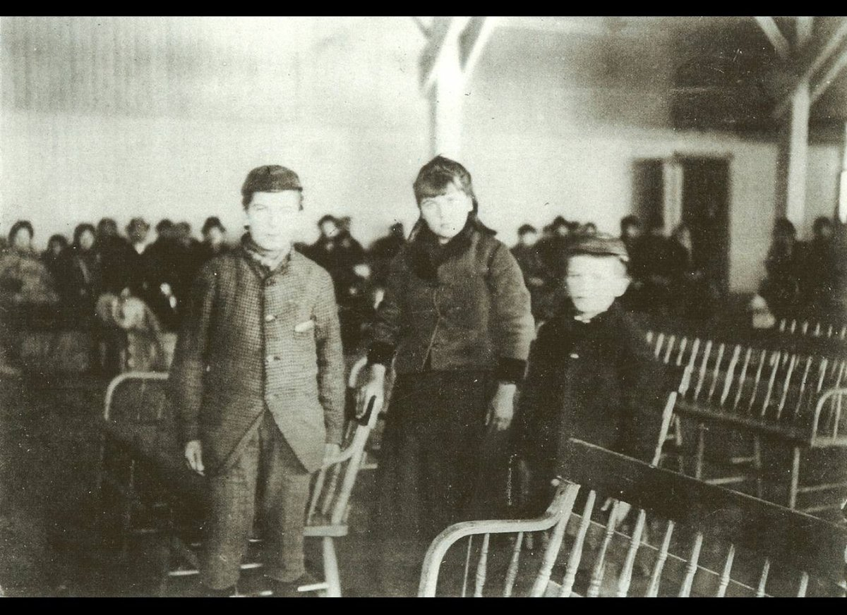 This photo from the Bob Hope Memorial Library at Ellis Island captures an iconic moment in American history – the arrival of