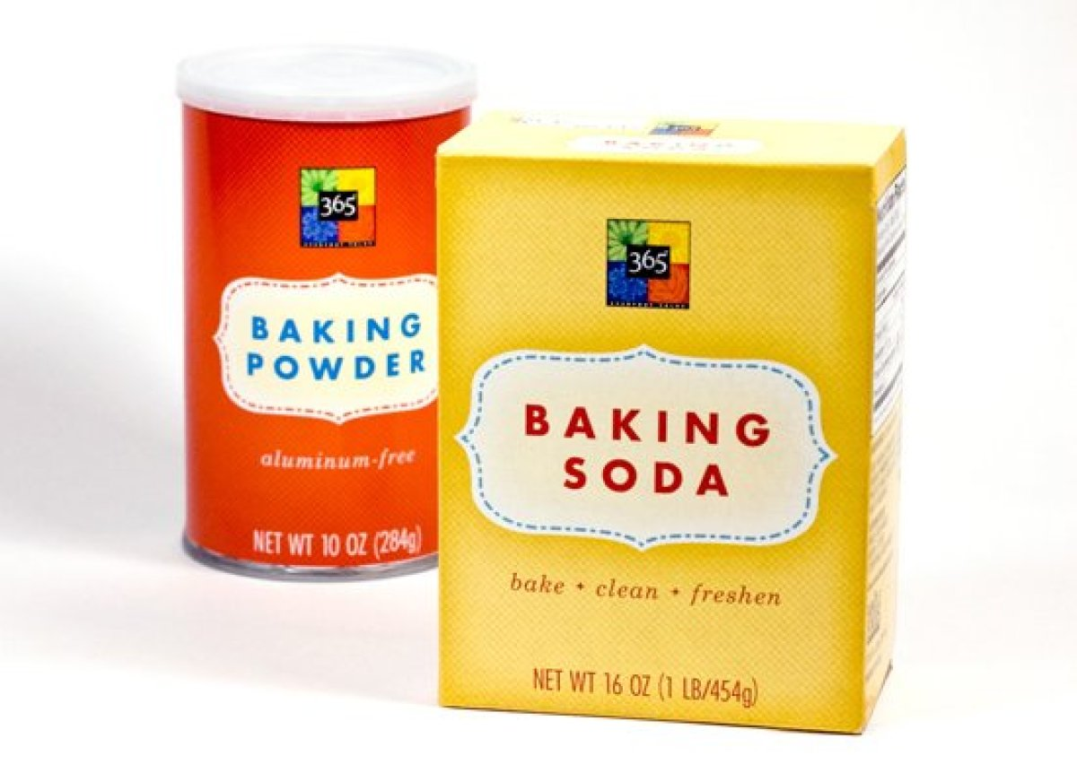"<strong></a><a href=""http://www.huffingtonpost.com/2011/10/24/difference-between-baking-soda-and-baking-powder_n_1028428.html"