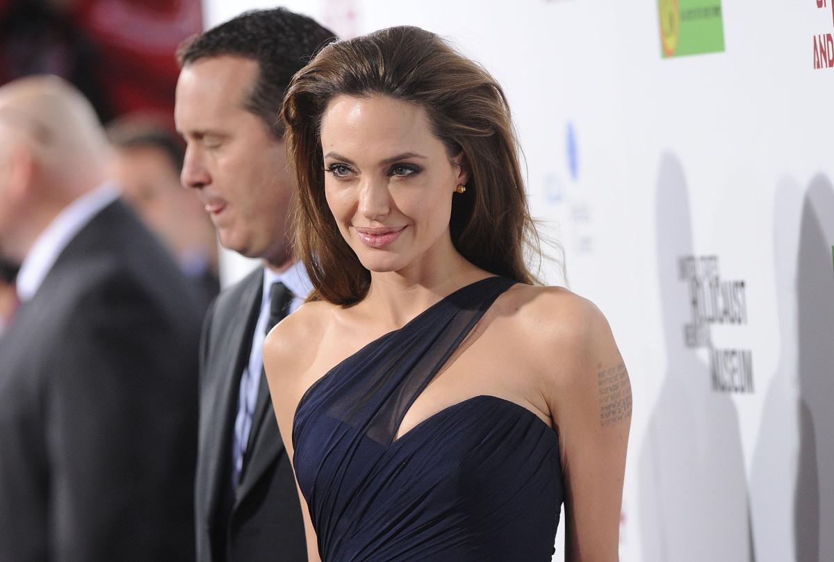 """Wasser <a href=""""http://articles.cnn.com/2010-09-29/entertainment/celebrity.lawyer.wasser_1_divorce-lawyer-stars-dissolution?_"""