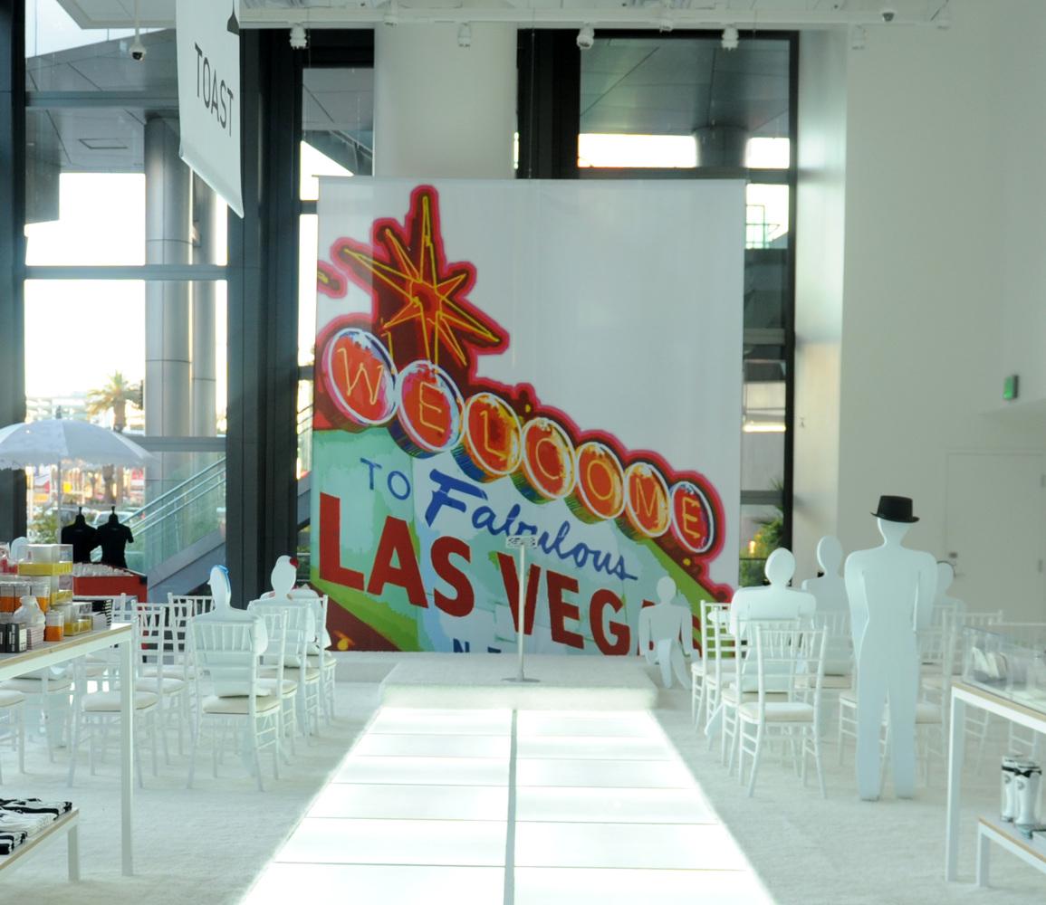 Cosmopolitan Las Vegas Pop Up Wedding Chapel PHOTOS