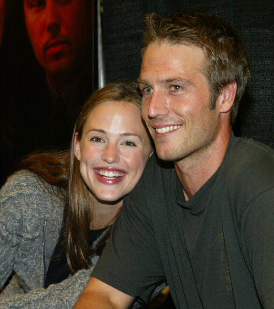 "Garner played Sydney Bristow, a spy for the CIA on ""Alias."" Meanwhile, her real-life beau Michael Vartan played her on-screen"