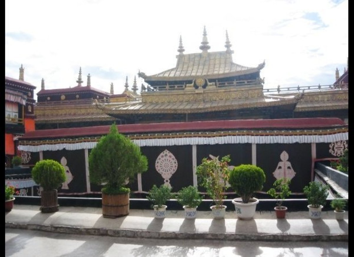 First constructed in 642, it is a center for Buddhist pilgrimages.