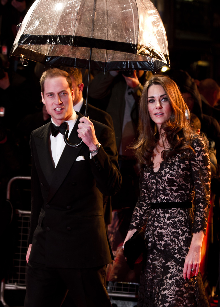 LONDON, ENGLAND - JANUARY 08:  Prince William, Duke of Cambridge and Catherine, Duchess of Cambridge attend the UK premiere o