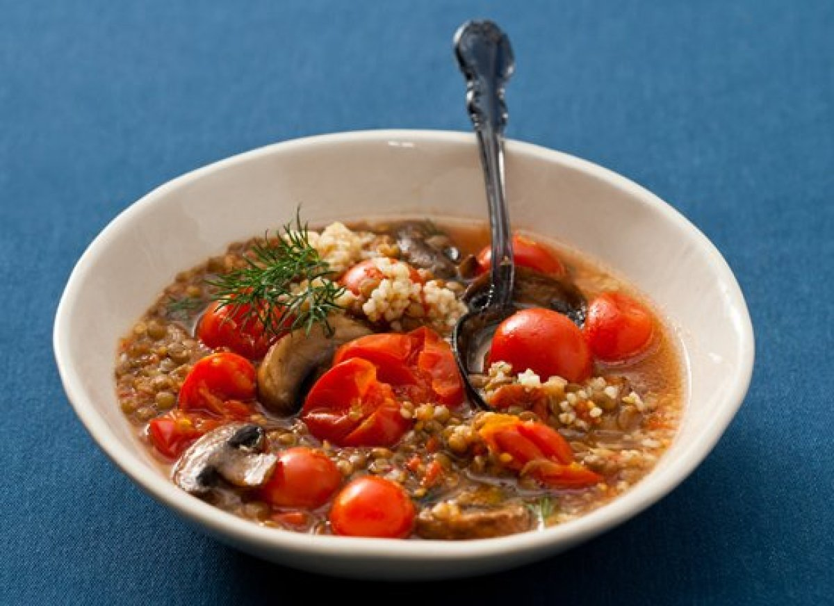 Jazz up a can of lentil soup by turning it into a filling meal using this recipe. Just add sauteed mushrooms, a can of tomato