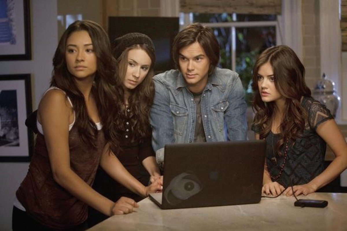 "<strong>""<a href=""http://www.aoltv.com/show/pretty-little-liars/8114307"" target=""_hplink"">Pretty Little Liars</a>"" (8 p.m. ES"