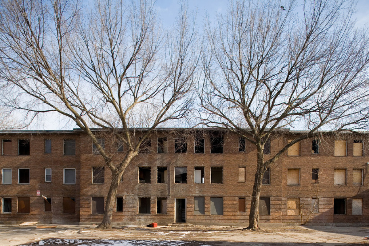 Since February 2000, the Chicago Housing Authority (CHA) has operated the Plan for Transformation, thelargest public housing