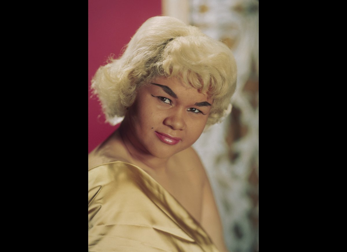 R&B singer Etta James poses for a portrait in circa 1965 in New York City, New York.