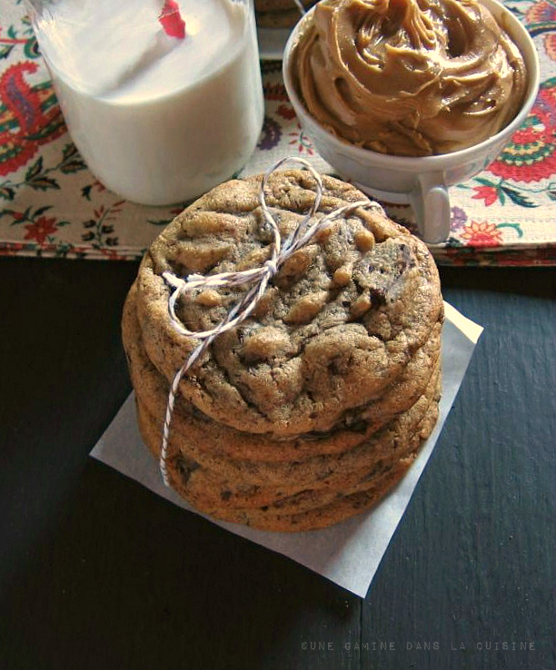 "<strong>Get the <a href=""http://www.unegaminedanslacuisine.com/2012/12/peanut-butter-cinnamon-chocolate-chunk.html"">Peanut Bu"