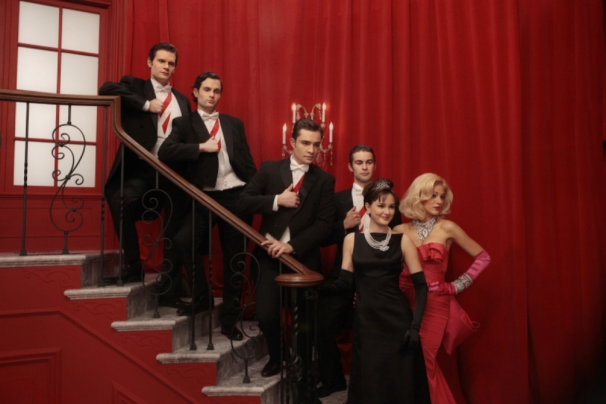 "<strong>""<a href=""http://www.aoltv.com/show/gossip-girl/185575"" target=""_hplink"">Gossip Girl</a>"" (8 p.m. EST on The CW)</str"
