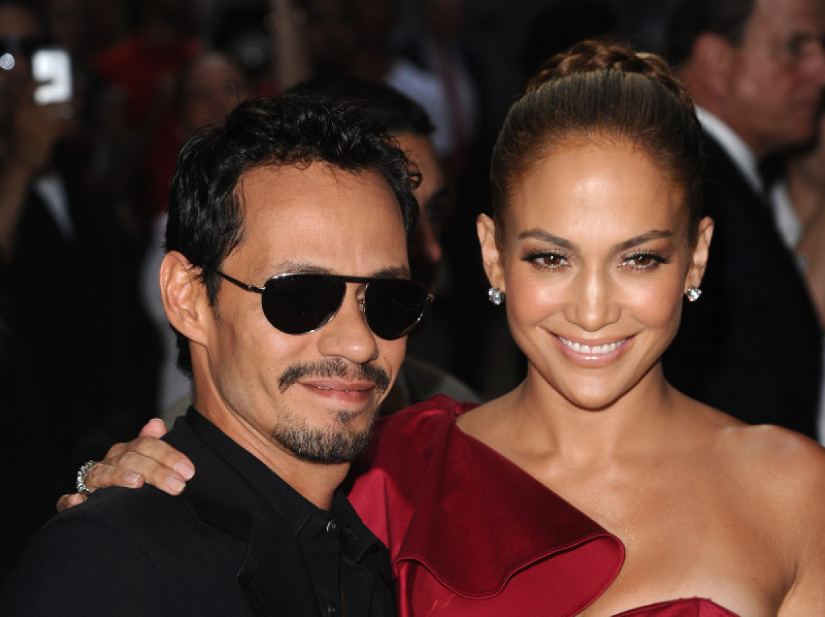 Four years into their marriage, Jennifer Lopez and Marc Anthony joined New York Mets outfielder Carlos Beltran and his wife f