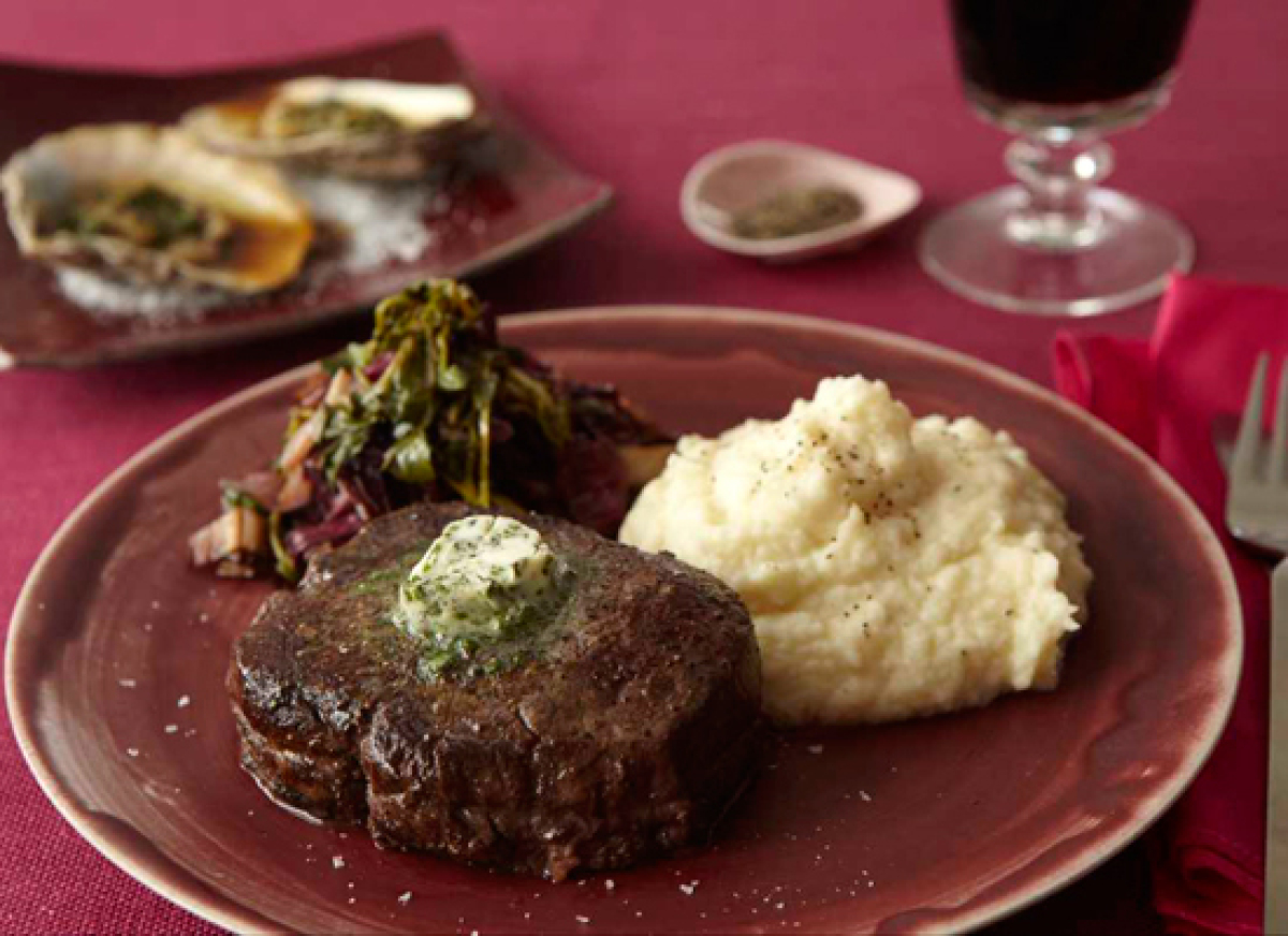 Romantic recipes valentines day dinner for two huffpost filet mignon makes the ultimate romantic dinner for two take it to the next level forumfinder Gallery