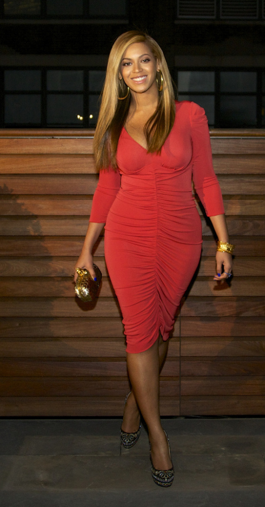 Beyonce Makes First Post-Baby Appearance In Hot Red Dress At Jay-Z ...