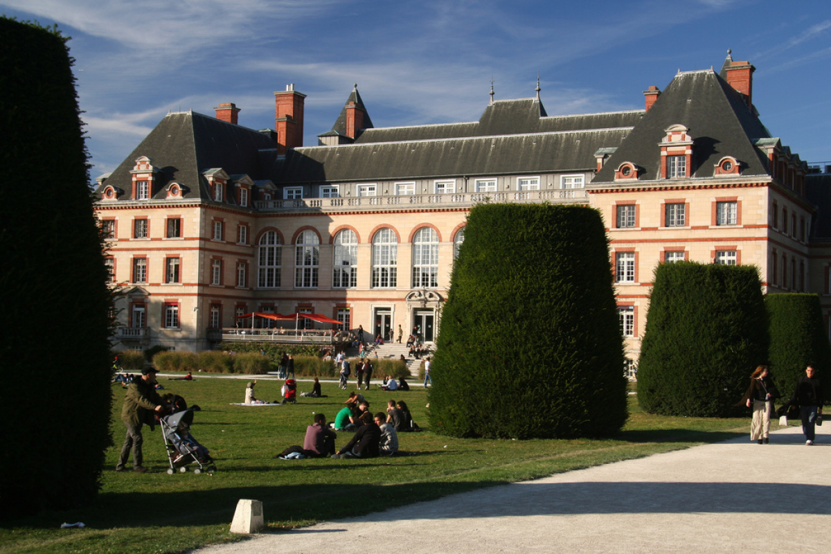 """The city of light is the best city for students?  According to the <a href=""""http://www.topuniversities.com/student-life/best-"""