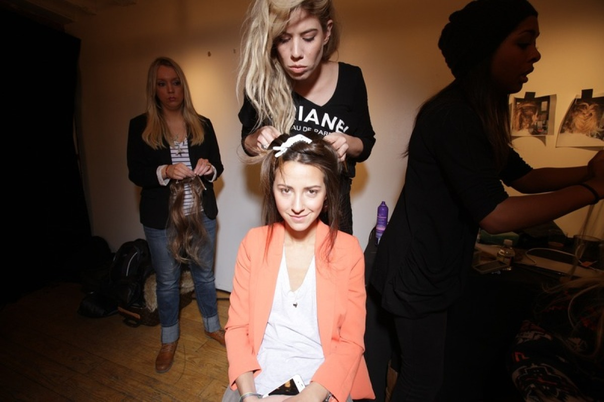 """Hair and makeup at Polyvore Live fashion show. Visit <a href=""""http://www.somethingnavy.com/2012/02/polyvorecovergirl-blogger"""
