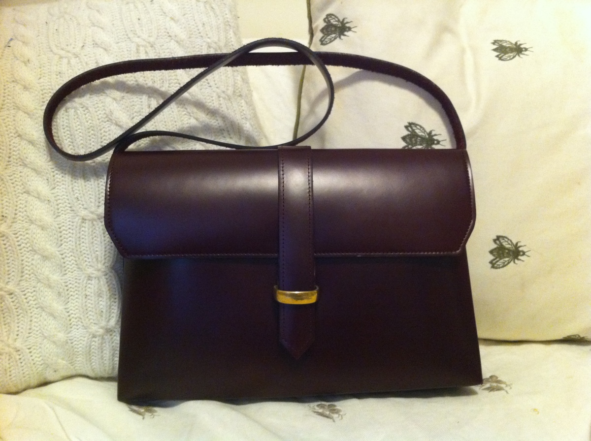 """<a href=""""http://Mnzstore.com"""" target=""""_hplink"""">Mnzstore.com</a>. """"I have been looking for a neutral colored leather bag for s"""