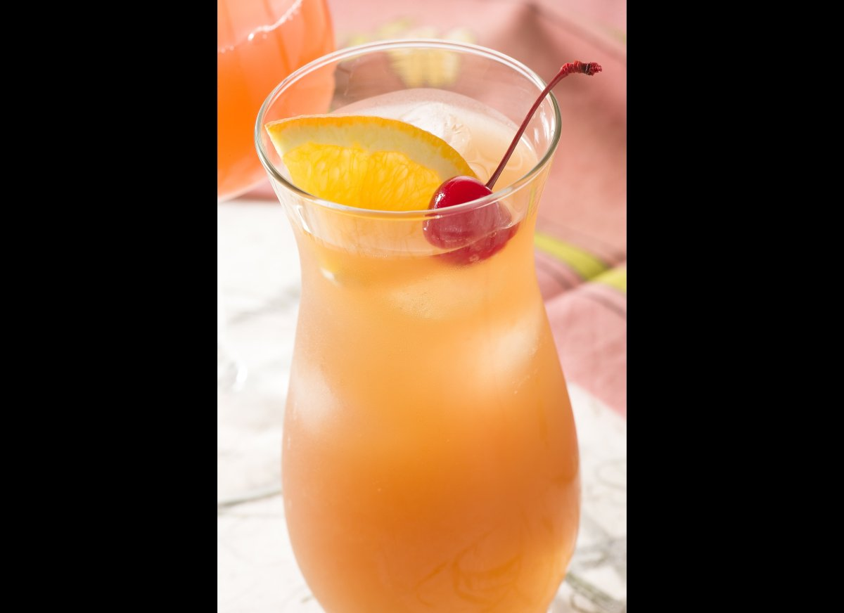 """<strong><a href=""""http://imbibemagazine.com/Hurricane-Recipe"""" target=""""_hplink"""">Hurricane</a></strong> Popularized in the 1930"""