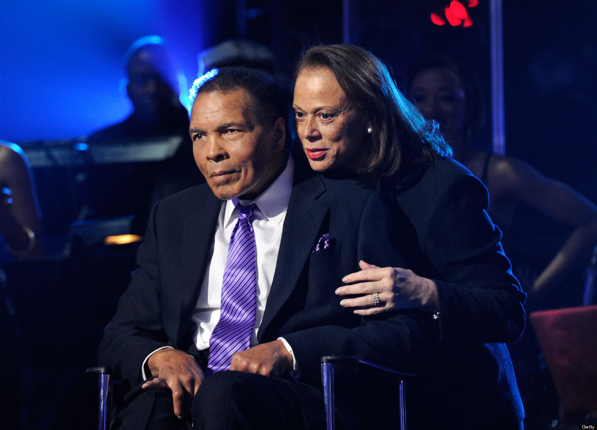 LAS VEGAS, NV - FEBRUARY 18:  (EXCLUSIVE COVERAGE)  Boxing legend Muhammad Ali (L) and wife Lonnie Ali appear onstage during