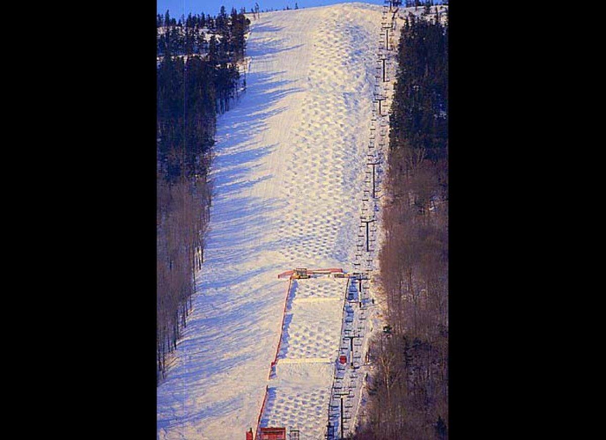 "White Heat at <a href=""http://www.liftopia.com/ski-resort-info/resort/207009/ME/Sunday-River.htm"" target=""_hplink"">Sunday Riv"