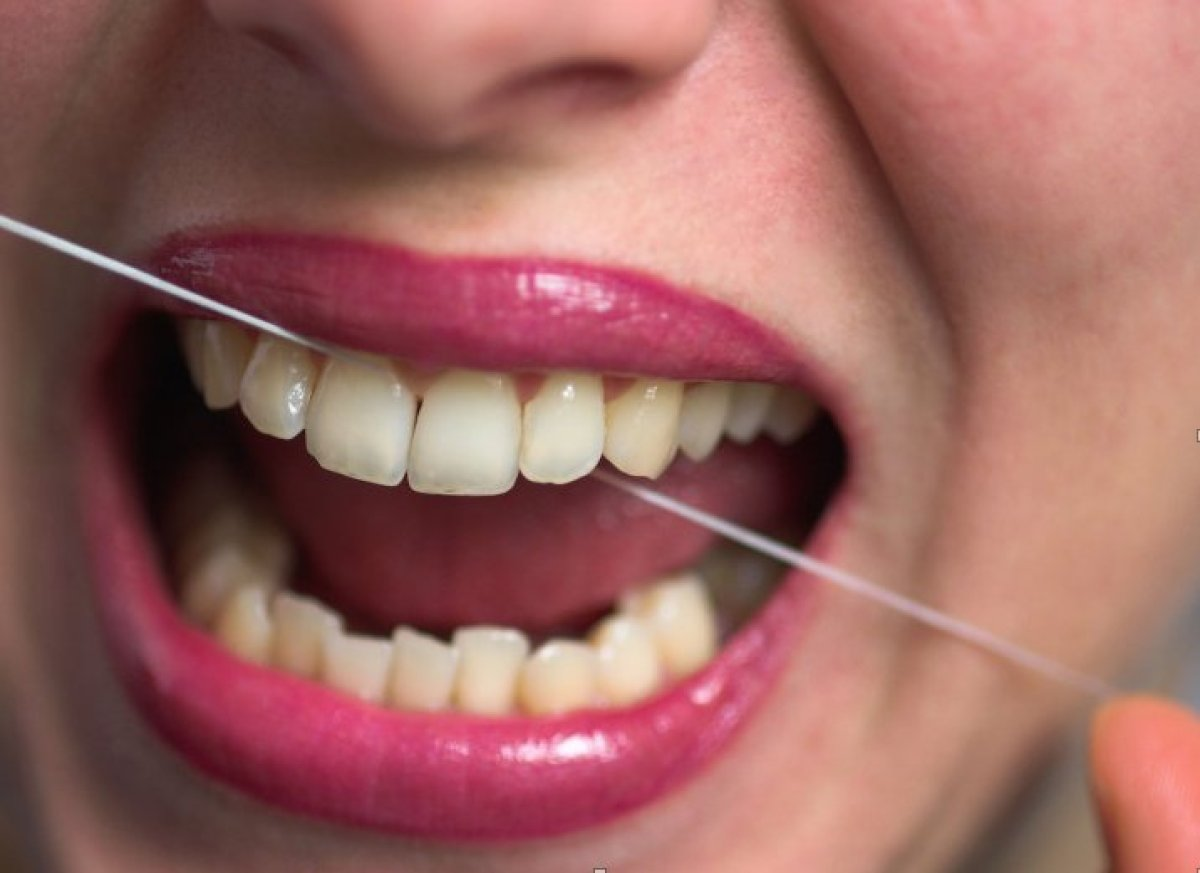 "So you're flossing, which is a good thing (according to the<a href=""http://www.ada.org/2624.aspx"" target=""_hplink""> American"