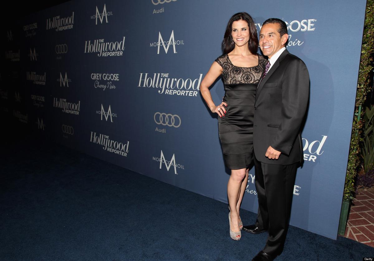 LOS ANGELES, CA - FEBRUARY 23:  Mayor of Los Angeles Antonio Villaraigosa (L) and Lu Parker arrive at The Hollywood Reporter'