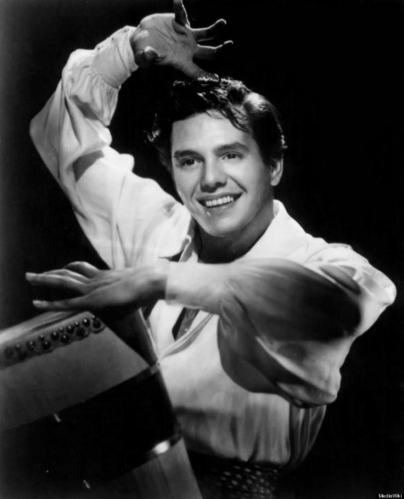 "Publicity photo of Desi Arnaz, circa 1950. Photo Source: <a href=""http://commons.wikimedia.org/wiki/File:Desi_Arnaz_1950.JPG"""