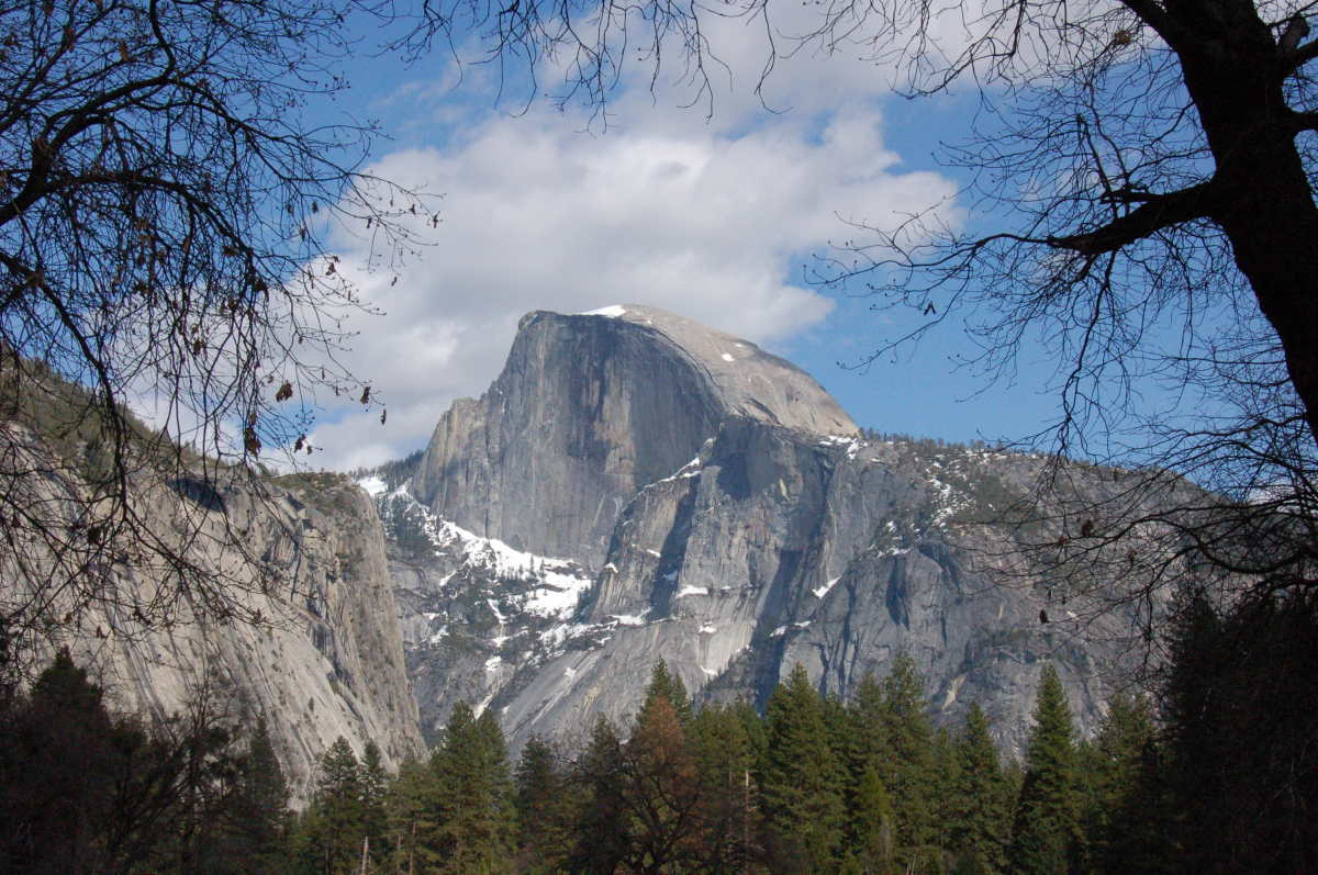 "Half Dome (<a href=""http://www.flickr.com/photos/amanda_walker/3139589261/"" target=""_hplink"">AmandaWalker, Flickr</a>)"