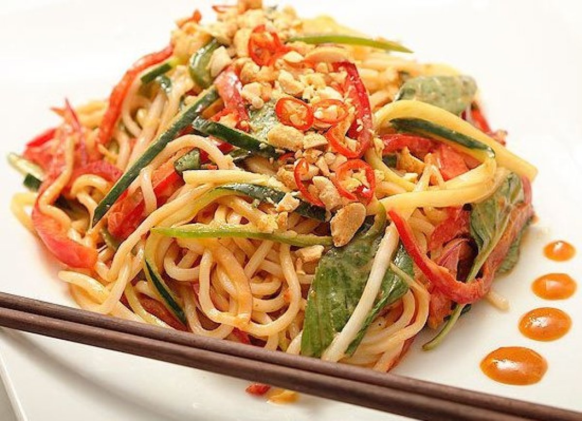 "<a href=""http://www.onegreenplanet.org/vegan-food/recipe-peanut-butter-spicy-noodles/"" target=""_hplink""><strong>VIEW RECIPE</"