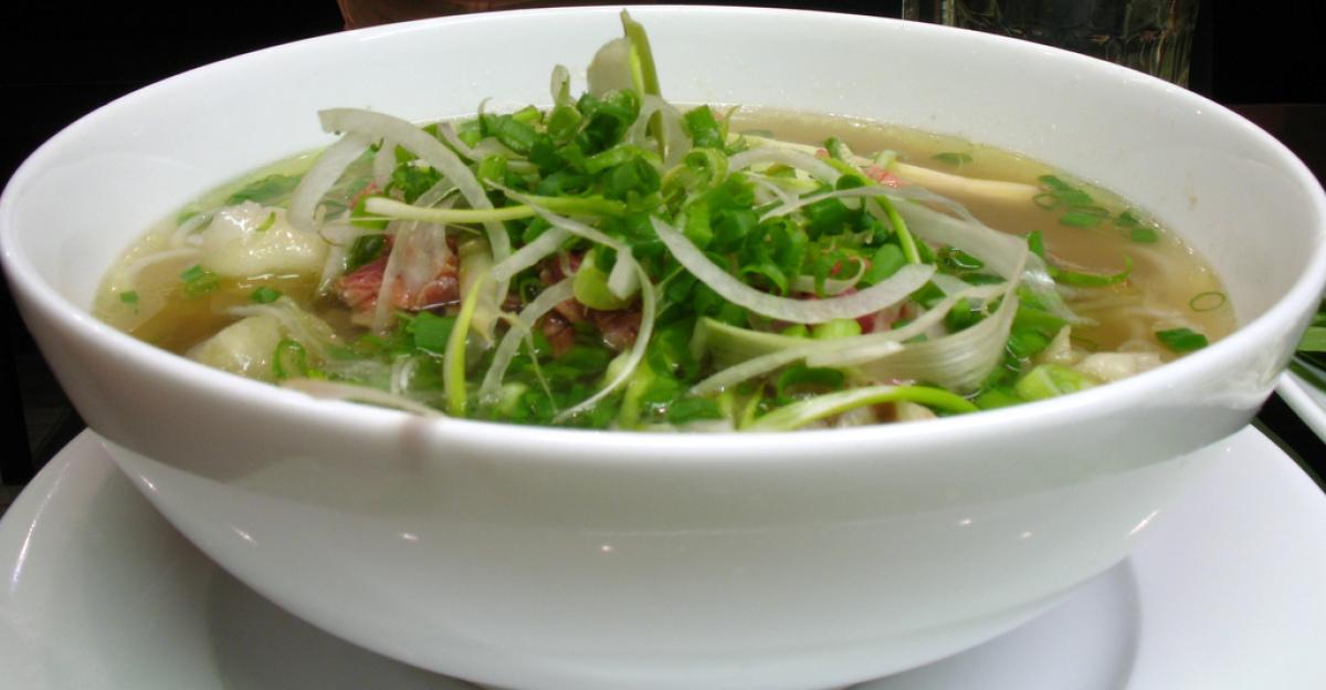 "<strong>Vietnamese pop-up ""<a href=""http://www.montserrathouse.com/three-day-vietnamese-popup-restaurant-at-the-montserrat-ho"