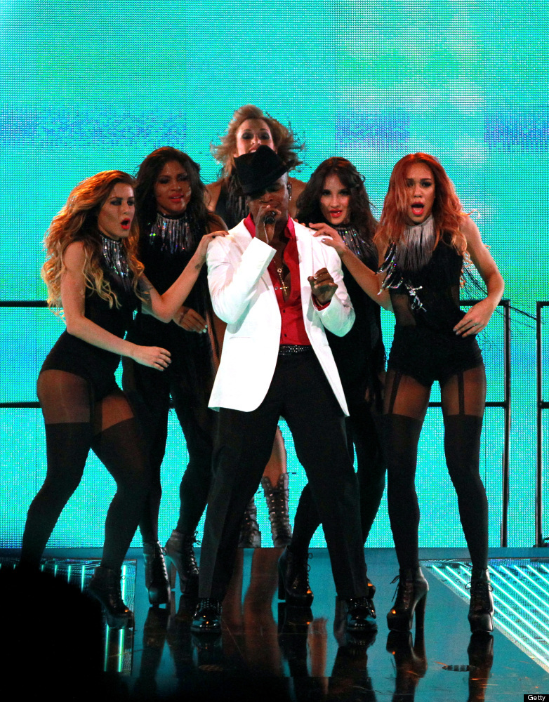 Recording artist Ne-Yo performs at halftime during the 2012 NBA All-Star Game at the Amway Center on February 26, 2012 in Orl