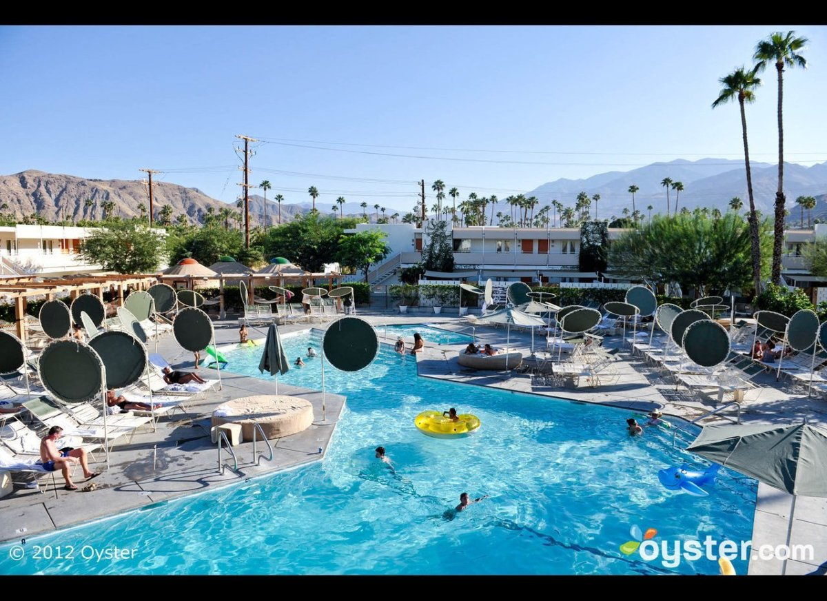 """<strong><a href=""""http://www.oyster.com/palm-springs/hotels/two-bunch-palms-resort-and-spa/area-guide/"""" target=""""_hplink"""">Palm"""