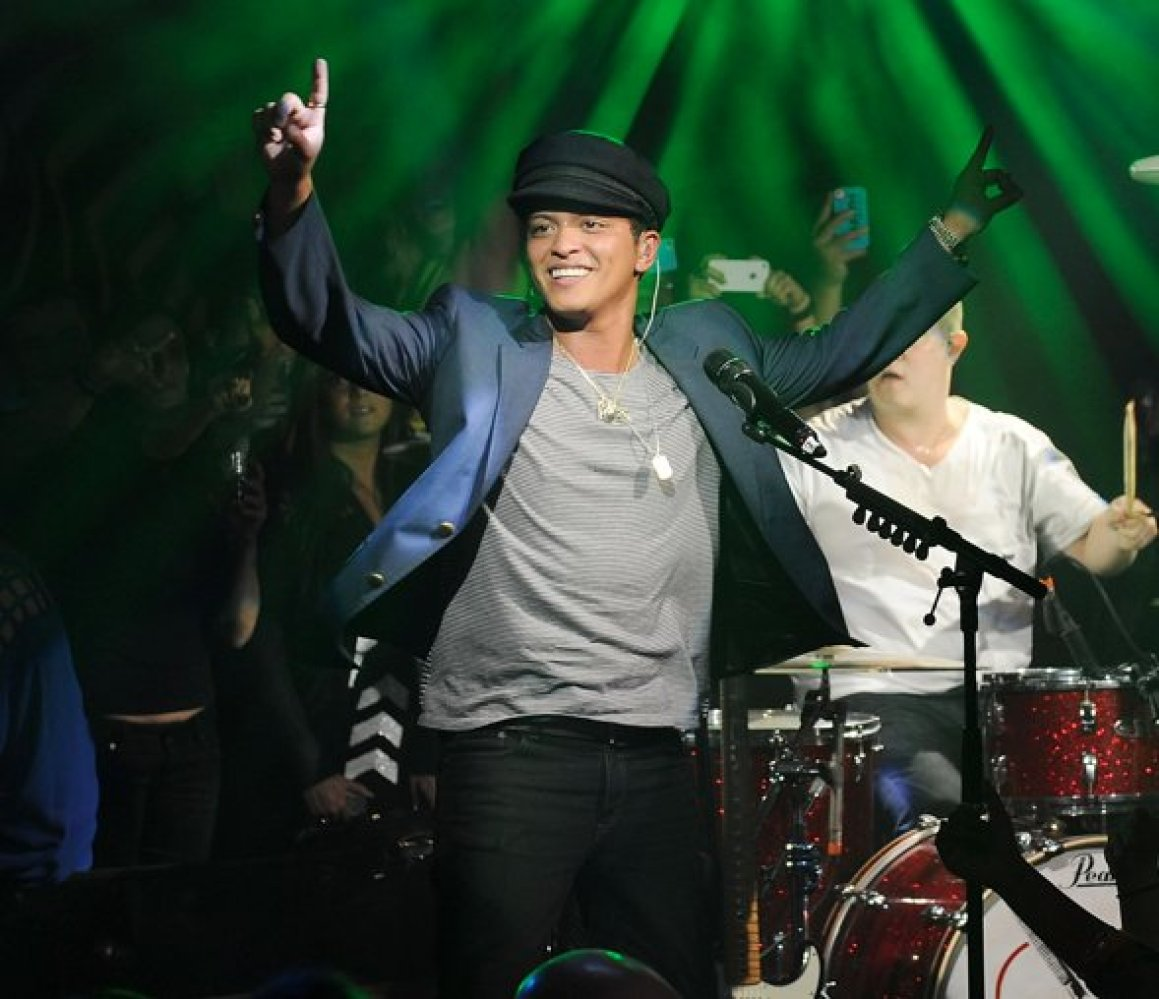 Bruno Mars Live At ONE OF A KIND Tuesdays At 1 OAK Nightclub At The Mirage
