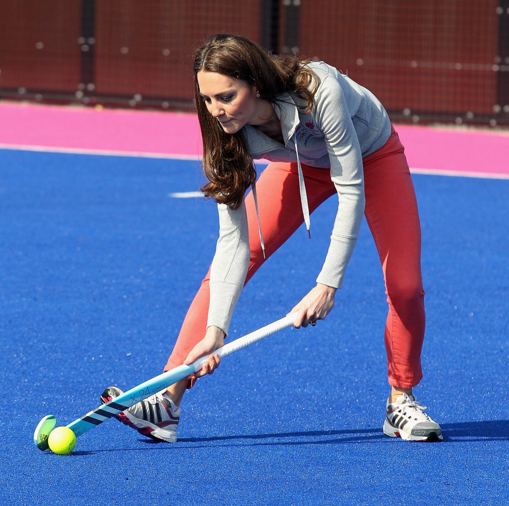 Kate Middleton Plays Field Hockey With UKs Olympic Team PHOTOS
